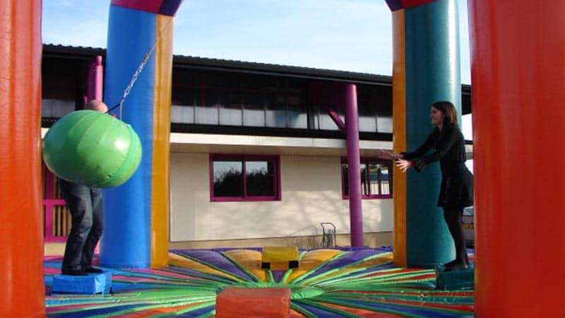 Location jeu gonflable demolition ball